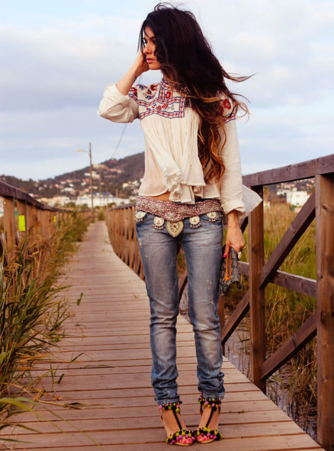 denim skinny jeans, cream top, tribal print top